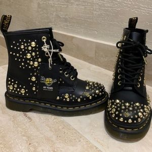 NEW Dr. MARTENS LEATHER GOLD STUDDED BOOTS SZ 37